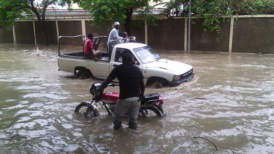 Une rue  après la pluie de ce matin