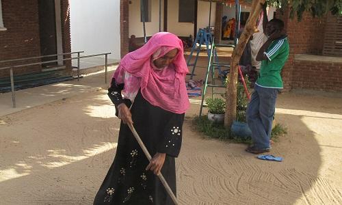 femme de ménage dans un centre de santé, Fatimé n'aspire qu'à cette position