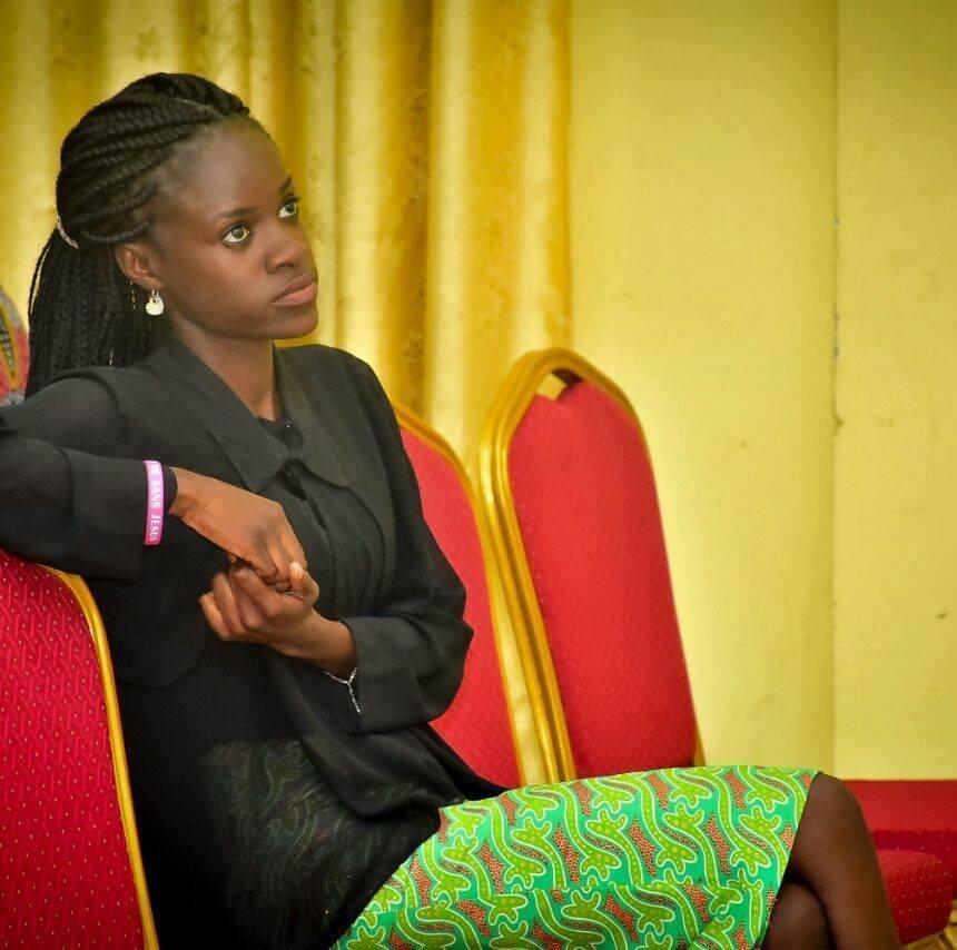 Yengo Paola, assistante parlementaire et femme engagée en politique sociale